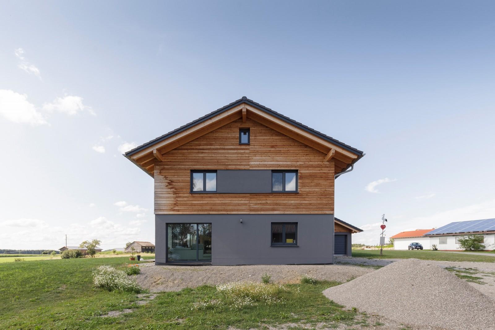 Haus mit MHM-Massiv-Holz-Mauer