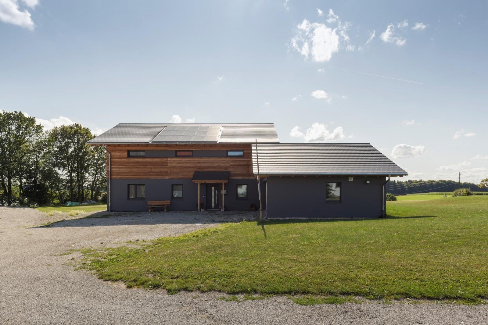 Ökologisch gebautes Massiv-Holz-Mauer Haus